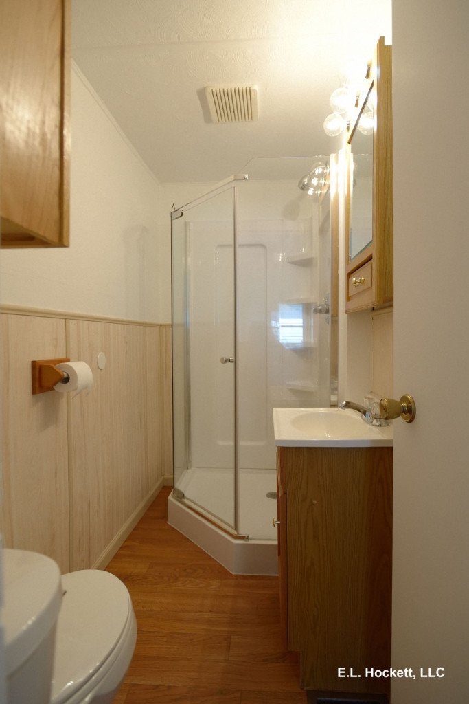 Bathroom, 906 W. Mt. Pleasant St., West Burlington, Iowa